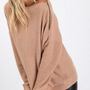 🆕️ JoJo waffle pullover with side  zipper detail